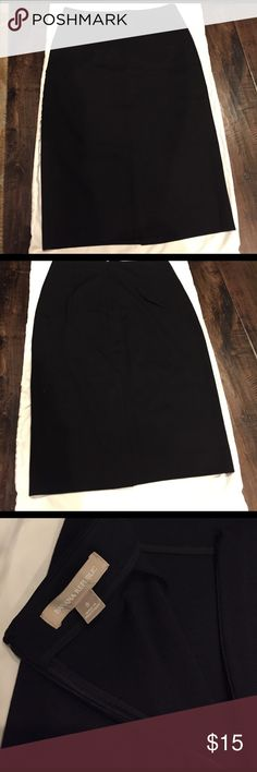 Banana Republic Stretch Pencil Skirt Sz 8 New without tags. Very stretchy. Hidden back zip closure. Back vent has not been opened. Banana Republic Skirts Pencil