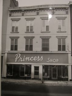 Princess Shop located at 215 Ford St. (1972).  Owned by Sadie Freidman.