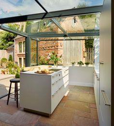 In deze buitenkeuken kun je het hele jaar door koken en eten# wauw, wat een prachtige uitbouw van je huis