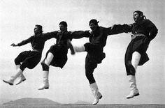 Fast pentozali dance (Vikelaia Municipal Library, city of Heraklion, Crete, Greece). Rhodes, Greek Dancing, Greek Dress, Kai, Pirate Boats, Crete Island, Go Greek, Greek History, Greek Music