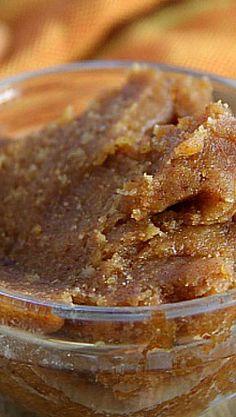 Pumpkin Almond Butter - Homemade almond butter with a fall twist! Diabetic Recipes, Raw Food Recipes, Low Carb Recipes, Cooking Recipes, Pumpkin Recipes, Fall Recipes, Homemade Jelly, Almond Butter, Peanut Butter