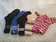 Gloves, Winter, Fashion, Moda, Fashion Styles, Fashion Illustrations, Mittens
