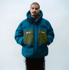 Supreme new york Climbing Clothes, Corporate Style, Mens Activewear, Mens Fashion, Fashion Trends, Fashion Ideas, Hooded Jacket, Active Wear, Sportswear