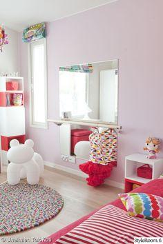 peili,vaaleanpunainen,lastenhuone,eero aarnio,tytön huone