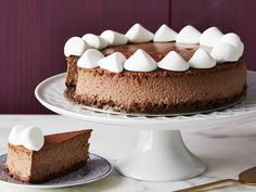 Hot Chocolate Cheesecake recipe from Food Network Kitchen via Food Network ~ Use your leftover hot chocolate or cocoa mix in both the crust and the filling of this super-rich cheesecake that tastes just like the classic drink. Hot Chocolate Cheesecake Recipe, Chocolate Desserts, Chocolate Cocktails, Cheesecake Desserts, Hot Chocolate Mix, Homemade Chocolate, Chocolate Powder, Mexican Chocolate, Melted Chocolate