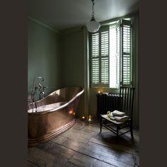 European bathroom, Copper tub, dark green walls, old wood floor Bad Inspiration, Bathroom Inspiration, Bathroom Ideas, Bathroom Designs, Bathroom Makeovers, Budget Bathroom, Bathroom Renovations, Best Bathroom Paint Colors, Copper Tub