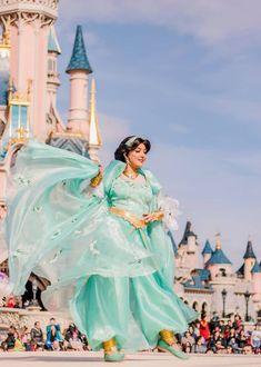 Princess Jasmine Cosplay, Jasmine Costume, Disney Princess Jasmine, Aladdin And Jasmine, Disney Live, Disney Travel, Disney Trips, Disney Parks, Walt Disney