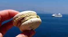 Good Snacks For Boating – 10 Best Easy Recipes!  Hello,  With so many boating snack recipes at your disposal, you can't afford to go on a sailing tour with an empty stomach. So long as you follow the recipes with precision, you can always be assured to enjoying the most delicious snacks even while exploring the sea.