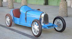 Expertises et ventes aux enchères d'automobiles de collection
