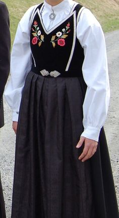 Traditional Outfits, Scandinavian, High Waisted Skirt, Costumes, Skirts, Inspiration, Clothes, Fashion, Embroidery