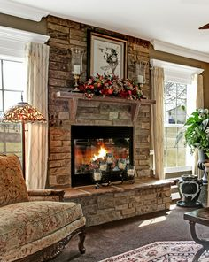 Good Images rustic Stone Fireplace Popular Stacked stone fireplaces are undeniably gorgeous and can turn what would otherwise be a plain, borin Stacked Stone Fireplaces, Rustic Fireplaces, Farmhouse Fireplace, Home Fireplace, Fireplace Remodel, Living Room With Fireplace, Home Living Room, Living Room Designs, Living Room Decor