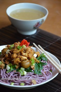 Diah Didi's Kitchen: Mie Ayam Bakso Ubi Ungu..Homemade..^^