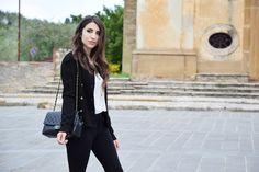Fashion blogger Chanel bag outfit, Alessia from Fleur d'Hiver in Umbria