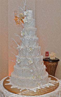 Wedding Cake Fresh Flowers-All You Need To Know - My Savvy Wedding Decor Gorgeous Cakes, Pretty Cakes, Winter Wonderland Cake, Amazing Wedding Cakes, Cake Wedding, Winter Wedding Cakes, Amazing Cakes, Wedding Shoes, Wedding Garter