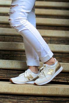 new balance 696 capsule running sneaker beige