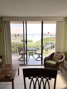 bjsfloridavacations provide Florida gorgeous beach penthouse at very affordable price.our Lover's Key State Park which the USA Today rated as The Nicest Beach in Florida.