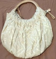 Check out Elle handbag purse with E hangtag #Elle #Hobo http://www.ebay.com/itm/-/302253756397?roken=cUgayN&soutkn=dTcFgQ via @eBay