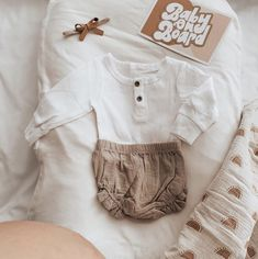 simple and stylish, you really can't go wrong. 🌿 New Baby Girls, Mom And Baby, Baby Love, Ribbed Bodysuit, Family Photo Sessions, Cute Outfits, Baby Outfits, Neck Collar, Baby Accessories