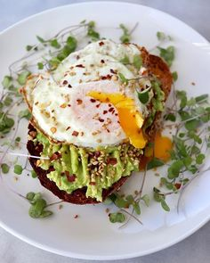 Avocado Toast with a Fried Egg Chili Flakes Sesame Seeds & Micro-Greens  Alexandra #breakfast #toast #toastlover #avocado #avomonday #avotoast #avolover #friedegg #sesameseeds #healthyfood #food #foodlover #foodporn #foodie #foodielife #foodpics #foodphotography #deliciousfood #yahoofood #yummy #gluttony #coolinaria #eeeeeats #foodandwine #beautifulcuisines #buzzfeast #huffposttaste #eattheworld #eater #liveauthentic (instalink ift.tt/2IYVfl4)