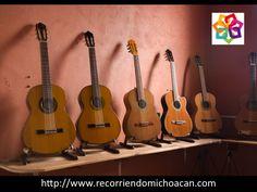 VACACIONES EN MICHOACÁN. Te habla sobre el Museo de la Guitarra. Ubicado en Paracho, se considera que aquí se hacen de las mejores guitarras en el mundo, gracias a que son hechas de cedro o de paloescrito y fabricadas por mas de diez notables maestros artesanos y mas de 1,500 constructores. Esto vuelve a Paracho la capital de la guitarra en México. http://www.hotellacasita.com.mx/ Hotel La Casita.