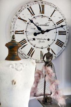 horloges murales, jolie horloge blanche avec chiffres romains