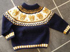 Endelig Bød Lejligheden Sig Til ,At Kunn - Diy Crafts Baby Boy Knitting Patterns, Fair Isle Knitting Patterns, Knitting For Kids, Knitting Designs, Knit Patterns, Baby Boy Sweater, Baby Cardigan, Baby Outfits, Kids Outfits