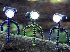 JOBY GorillaTorch - Hands-free flashlight with flexible, bendable and magnetic feet- CREE flashlight