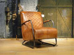 Vintage leren fauteuil Cambrai ruit - ROBUUSTE TAFELS! Direct uit voorraad of geheel op maat >>