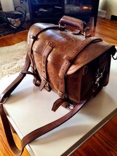 Very cool vintage Saddleback Leather Briefcase-SR