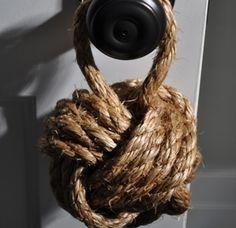Sailor's Knot Door Stopper | 36 Utterly Charming Nautical DIYs