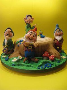 Snow White & Seven Dwarfs Cake