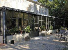 Veranda, mesa y sillas Extension Veranda, Glass Extension, Conservatory Extension, Interior Garden, Interior Exterior, Dream Garden, Home And Garden, Outdoor Rooms, Outdoor Decor