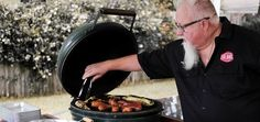 Need some grilling advice? Call the doctor! BBQ, that is. We chatted with pitmaster Ray Lampe and got some great tips! Game Day Food, What To Cook, Tailgating, Holidays And Events, Wine Recipes, Favorite Recipes, Cooking, Party, Bbq Tips