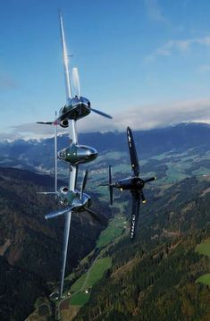 Vintage Aircraft Wings in the sky — y - Ww2 Aircraft, Fighter Aircraft, Military Aircraft, Fighter Jets, Lockheed P 38 Lightning, Photo Avion, Ww2 Planes, Vintage Airplanes, Jet Plane