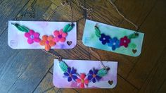 Collares bordados por @anahirossi Embroidery necklaces.  flowers