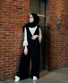 Modest Hijabie Fashion with Jumpsuit Style Abaya Style Girls Hijab Style & Hija. Modest Hijabie Fashion with Jumpsuit Style Abaya Style Girls Hijab Style & Hijab Fashion Ideas Abaya Fashion, Muslim Fashion, Modest Fashion, Girl Fashion, Fashion Outfits, Fashion Black, Fashion Clothes, Fashion Muslimah, Hijab Casual