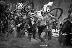 """Where there is no struggle, there is no strength."" 고통과 힘듦이 없으면, 용기와 굳건함도 없는 것이다.  오프라 윈프리(Oprah Winfrey)  #LivKorea #LivCycling_kr #LivBeyond #MotivationalMonday #리브코리아 #리브비욘드"