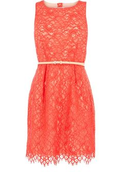 This is such a cute dress! Perfect to wear to a summer wedding!