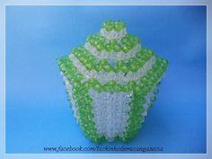 Pote de pedrarias. Linda peça para balas e bombons, alem de decorar. Aceito encomendas: bichinhodemicangasecia@gmail.com