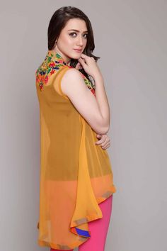 Rang Ja Pret 2017 Collection Eid Festival, Rang Ja summer collection has launched recently in april summer Comes in Pakistan for a long time. Fancy Blouse Designs, Dress Neck Designs, Kurta Designs, Simple Dresses, Casual Dresses, Fashion Dresses, Girls Dresses, Eid Dresses, Pakistani Dress Design