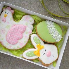 Great idea for Easter cookies Fancy Cookies, Iced Cookies, Cute Cookies, Easter Cookies, Easter Treats, Holiday Cookies, Sugar Cookies, Cupcakes, Cupcake Cookies