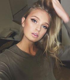 Elegant Natural Smoky Eyeshadow Makeup Ideas for Fall Party 40 Beauty Make-up, Beauty Hacks, Hair Beauty, Smoky Eyeshadow, Eyeshadow Makeup, Eyeshadows, Eyeshadow Palette, Makeup Monolid, Taupe Eyeshadow
