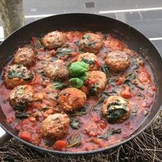 Try these amazing low carb Italian meatballs #Leanin15 #foodie #instacook @lucybeecoconut oil Red onion Garlic Turkey meatballs chopped tomatoes Balsamic vinegar Parmesan cheese Salt and pepper Fresh spinach Thyme Basil