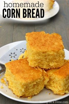 Easy Homemade Cornbread recipe - Simple Buttery Cornbread recipe Looking for an easy homemade cornbread recipe? This is the best corn bread recipe where you can make cornbread from scratch easily. Try this buttery cornbread recipe today! Buttery Cornbread Recipe, Cornbread Recipe From Scratch, Moist Cornbread, Honey Cornbread, Homemade Cornbread, Cornbread Recipes, Corn Recipe, Cornbread Cake, Gourmet