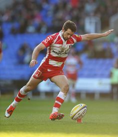 Gloucester captain Greig Laidlaw takes a shot at goal