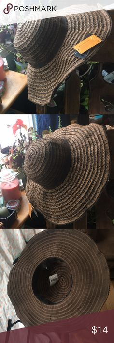 NWT D&Y Sumer Hat w/Sun protection SUMMER HAT w/ Sun protection is now available ! Great for those hot summer days ☀️ & protection too !! Please ask any questions prior to purchasing. NWT D&Y Accessories Hats