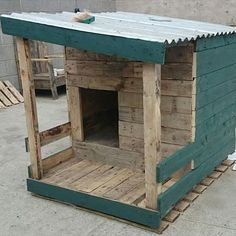 wooden doghouse, pallet doghouse, reclaimed wood