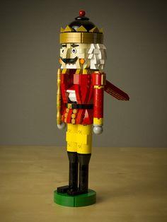 Lego Christmas Ornaments, Lego Christmas Village, Lego Wall Art, Lego Winter, Big Lego, Walt Disney, Lego Sculptures, Lego Animals, Amazing Lego Creations