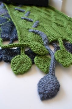 Ravelry: Tendril Scarf pattern by Fiona Oliver