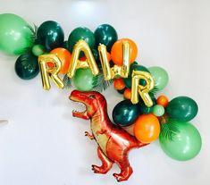 Gold Roar Balloons Dino Balloon Garland Dinosaur party T Dinosaur Birthday Party, 4th Birthday Parties, Birthday Party Decorations, Party Favors, Elmo Party, Mickey Party, Birthday Ideas, Party Hats, Diy Dinosaur Party Decorations